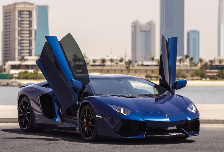 Rent Lamborghini Aventador Coupe in Dubai